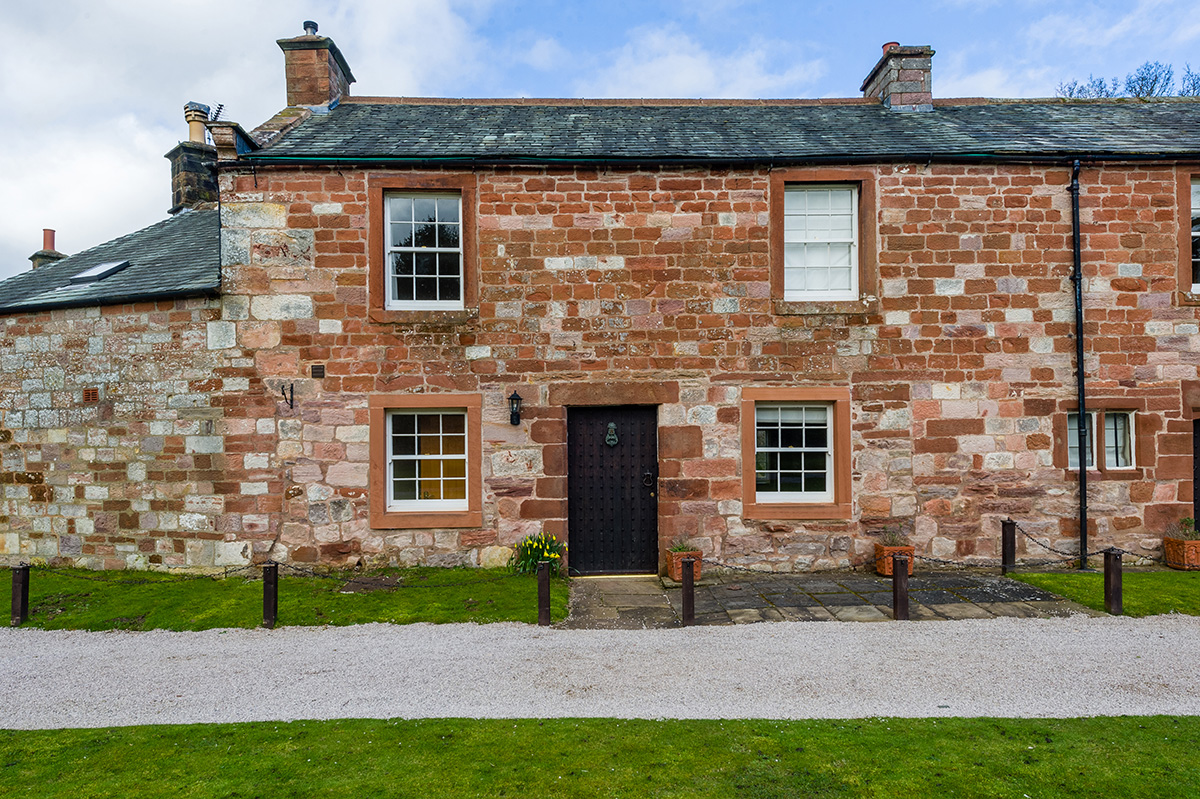 Lady Anne's Cottage no2 - one of the luxury self-contained holiday cottages at Appleby Castle